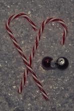 Imagen De Navidad Con 2 Baston...