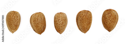 Pinturas sobre lienzo  Set almond kernel, nut in shell isolated on white background, top view