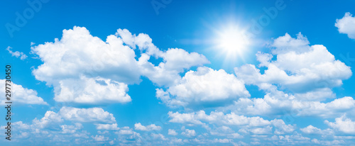 Photo  Beautiful blue sky with white clouds and sun