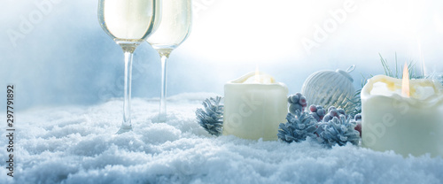 Fotomural  Winter still life with champagne