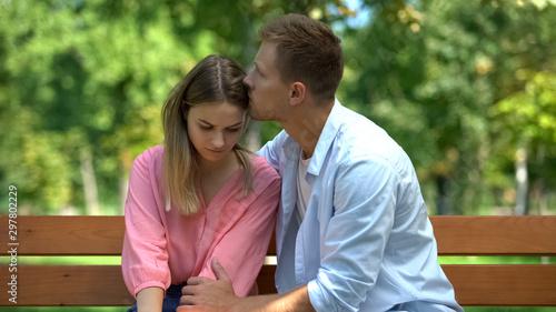 Fotografía  Boyfriend hugging girlfriend supporting hard time caring husband comforting wife