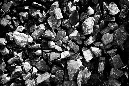 Fotografía small black Rock texture from rock pile.