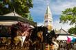 Venedig Maskenmarkt mit Campanile di San Marco