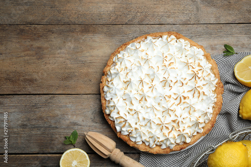 Poster Pierre, Sable Flat lay composition with delicious lemon meringue pie on wooden table