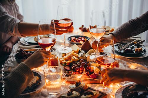 Foto auf Leinwand Alkohol Dinner party