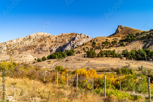 Foto op Plexiglas Zandwoestijn Russia. Crimean mountains, roks.