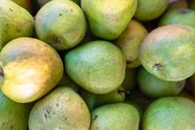 Green Pear Juicy Fresh Fruit N...