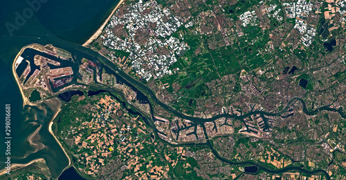 Obraz Satellite image of the port of Rotterdam, Netherlands. Contains modified Copernicus Sentinel data 2018. - fototapety do salonu