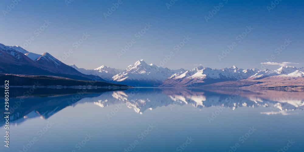 Fototapeta Mt Aoraki and Lake Pukaki in New Zealand