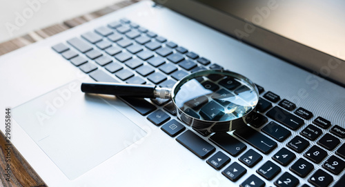 Searching On Internet Concept, Magnifier On Computer Keyboard Fototapet