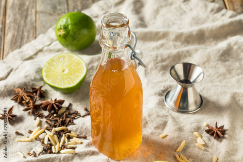 Obraz Homemade Falernum Cocktail Syrup - fototapety do salonu