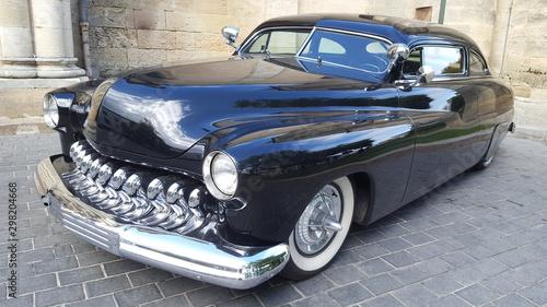 Old Car black american Collection w wystawie zabytkowych samochodów