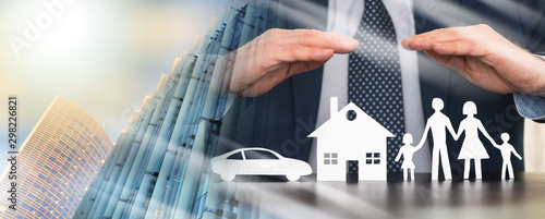 Fotografia  Concept of family, home and car insurance; multiple exposure
