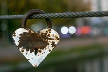 Heart Shaped Heavy Rusty Antiq...
