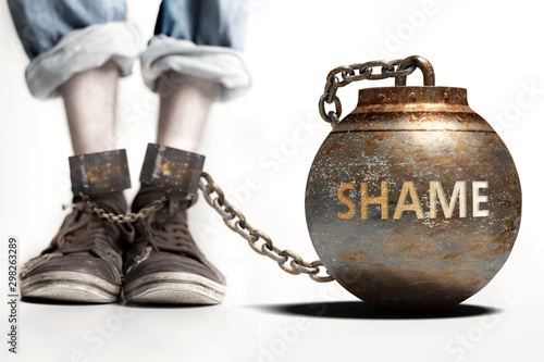 Fotografía Shame can be a big weight and a burden with negative influence - Shame role and