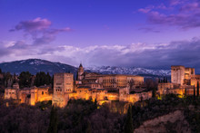 Vista Exterior De La Alhambra ...