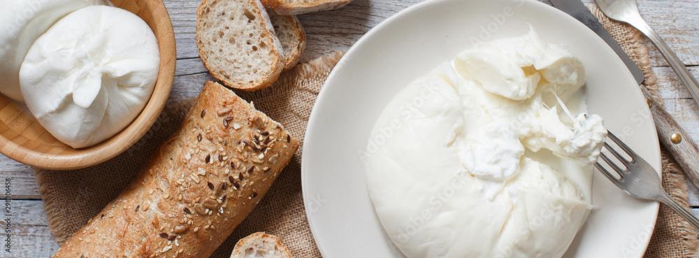 Fototapety, obrazy: Italian cheese burrata