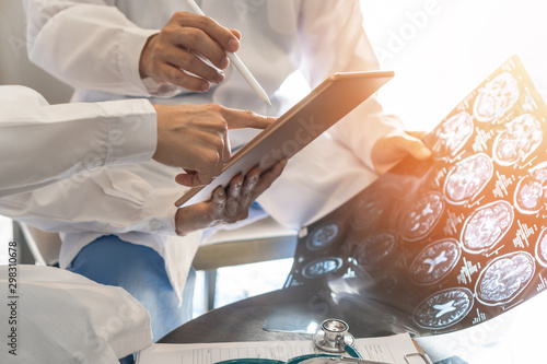Pinturas sobre lienzo  ER surgery medical team, surgical doctor teamwork, professional brain and neurol