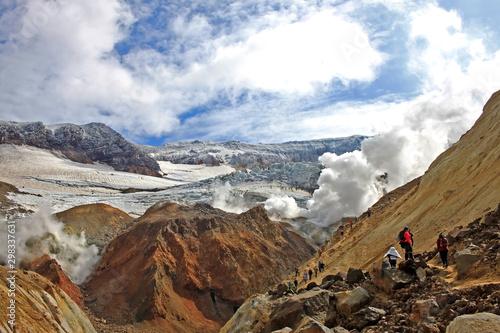 Obraz na plátně  The ascent of tourists to the Mutnovsky volcano, Russia