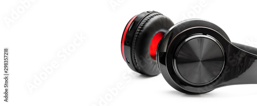 Foto  Bluetooth headphones on a white background. Space for text.