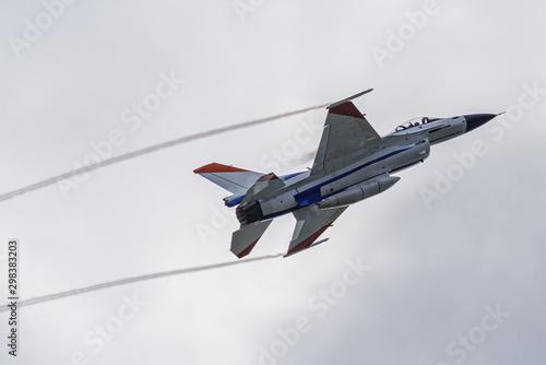 Fotografia, Obraz 急上昇中の戦闘機とベイパー