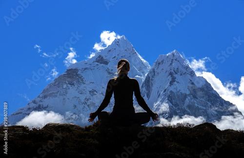 Fotobehang School de yoga Active hiker hiking, enjoying the view, looking at Himalaya mountains landscape. Travel sport lifestyle concept