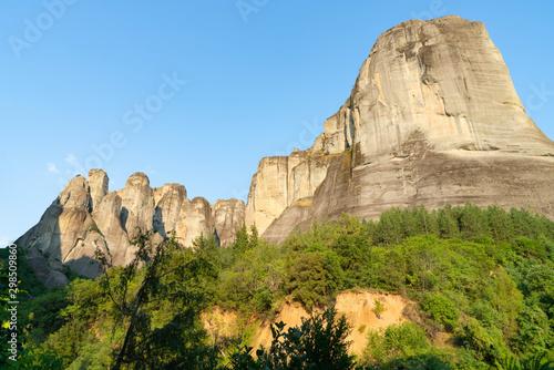 Valokuva  Imposing large rocks at Meteora