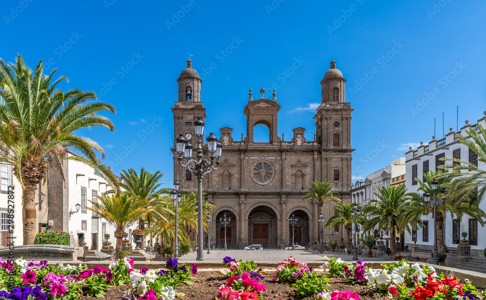 Fototapety, obrazy: Landscape with Cathedral Santa Ana Vegueta in Las Palmas, Gran Canaria, Canary Islands, Spain