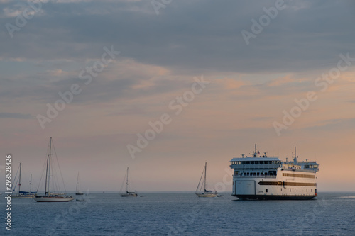 Canvas Print Misty Morning over the Martha's Vineyard Ferry