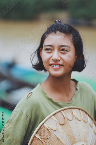 Foto Portrait of Asian Beautiful Burmese girl farmer in Myanmar