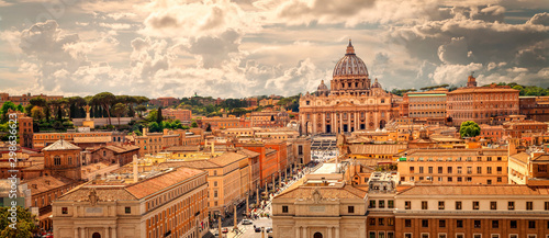 Photo Panoramic view of Rome with St Peter's Basilica in Vatican City, Italy