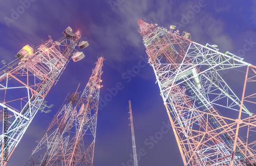 telecommunication mast TV antennas wireless technology Canvas-taulu