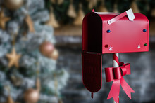 Christmas Decorated Mailbox Fo...