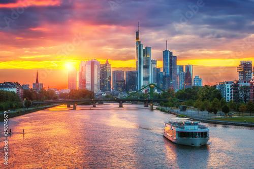 Pinturas sobre lienzo  Frankfurt am Mine at sunset, Germany