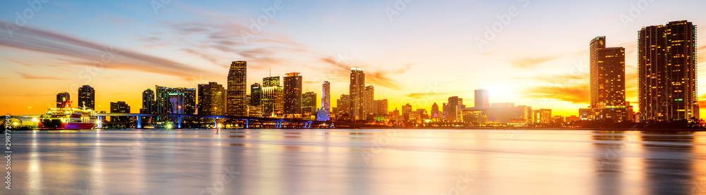 Fototapeta Miami city by night