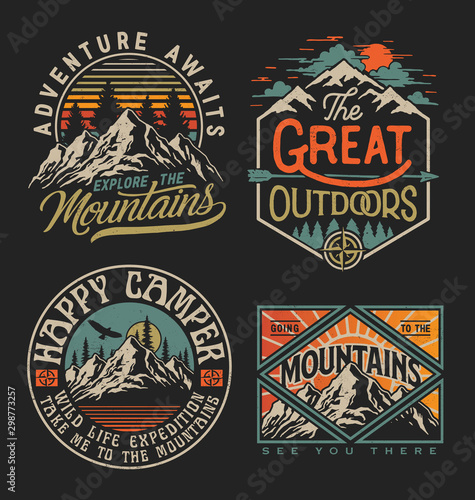 Fotomural  Collection of vintage explorer, wilderness, adventure, camping emblem graphics