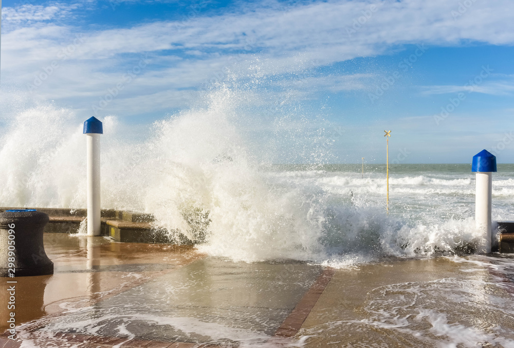 Fototapety, obrazy: rise in sea level during a storm in northern France