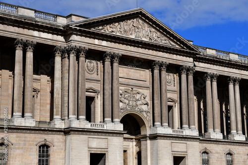 Fotografering Paris; France - april 2 2017 : Perrault Colonnade of the Louvre Palace