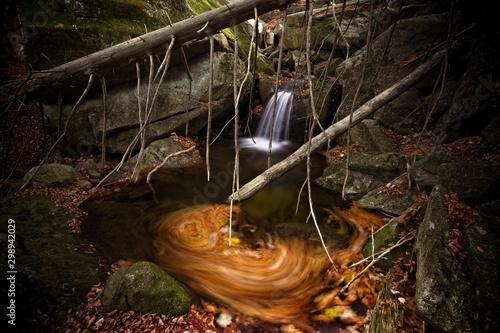 Foto auf AluDibond Buddha Waterfalls on the creek