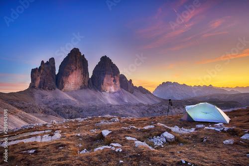 Montage in der Fensternische Lavendel Tre cime de lavaredo in Italian Alps
