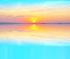 Panel Szklany Optyczne powiększenie fondo de naturaleza de un atardecer en el mar en calma