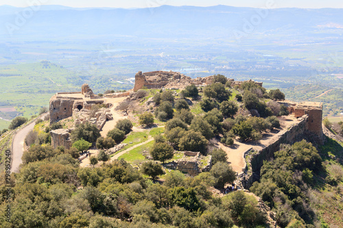 Canvas Print Castle Nimrod Fortress and street on Golan Heights in Israel