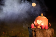 Halloween Pumpkin With Heart. Love On Halloween. Halloween Heart. Autumn Pumpkin_2