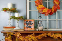 Cozy Fall Decorations On The M...