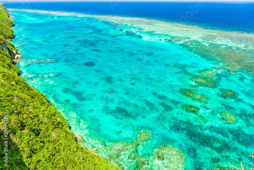 Poster Vert corail 宮古島の海 Beautiful beach in Miyakojima Island, Okinawa.