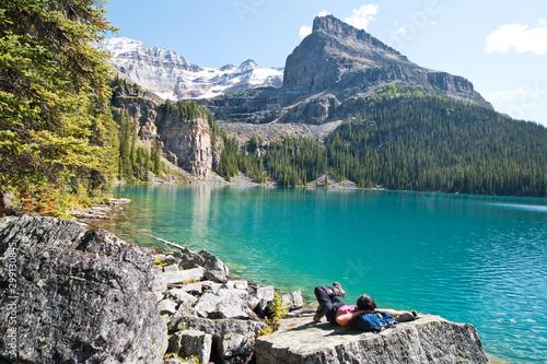 Foto auf Leinwand Weiß Beautiful lake O'hara in Yoho national park, Canada