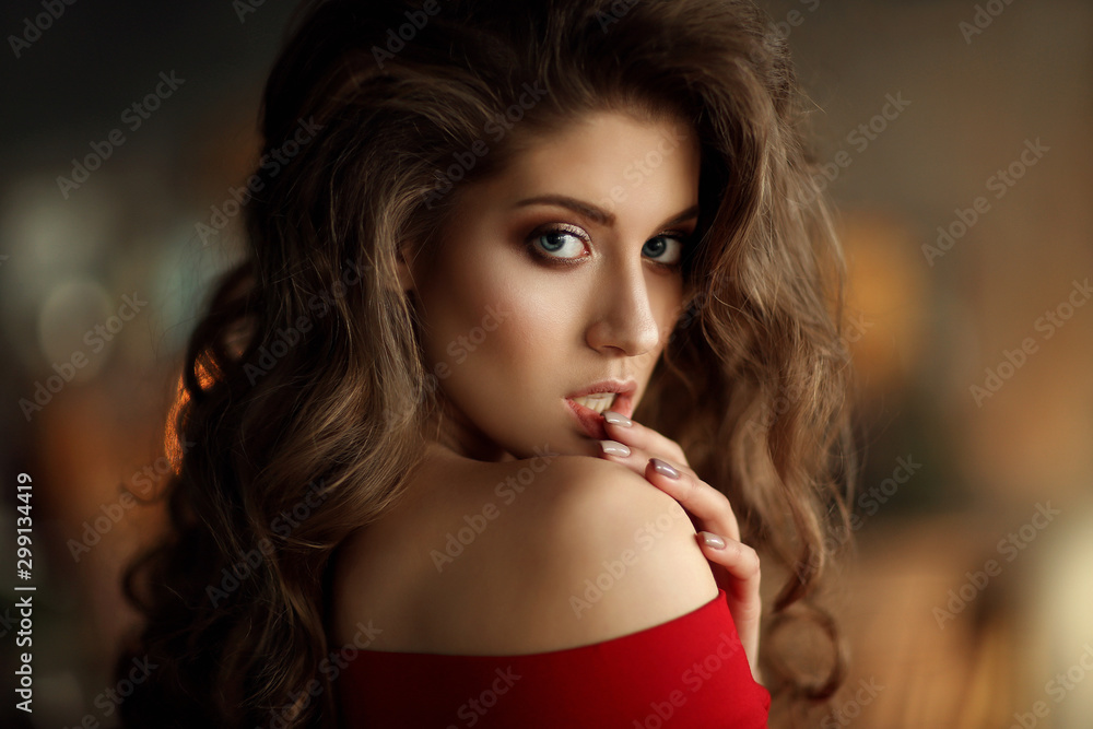 Fototapeta Portrait of young beautiful woman