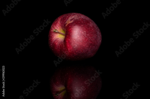 Платно One whole fresh apple red delicious isolated on black glass