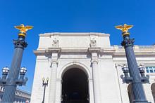 Decorative Columns With Eagle ...