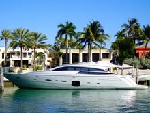 Life Of Luxury: Ultra-modern S...